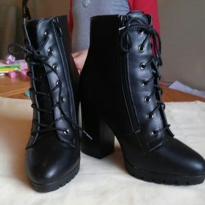 Charlotte Russe Boots Size 9